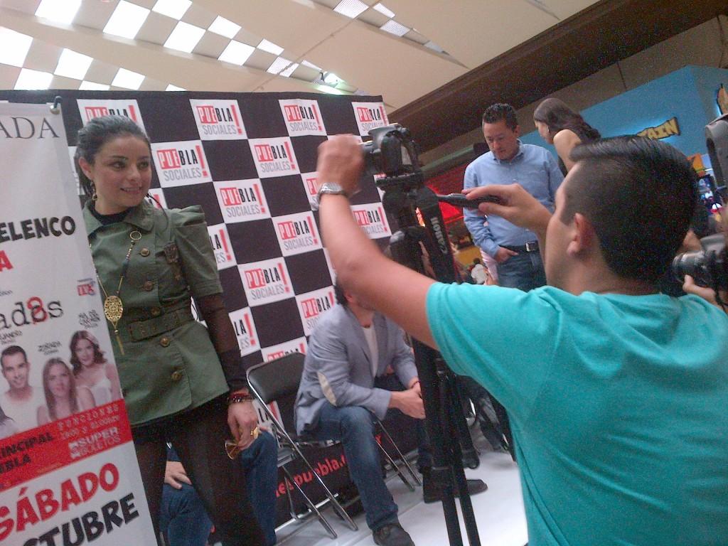 Óscar Lozano (Junior Team) en entrevista con Violeta Isfel